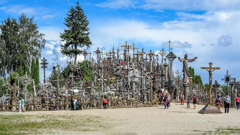 the-hill-of-crosses-lithuania